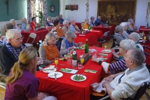 Festliche Weihnachtsfeier mit Gottesdienst